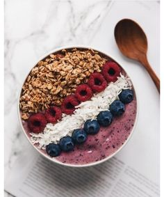 Smoothie bowls Community contribution: 10 food photos for every simple dog . Smoothie Bowl, Smoothie Recipes, Parfait Recipes, Healthy Snacks, Healthy Recipes, Healthy Breakfast Smoothies, Healthy Drinks, Healthy Foods, Good Food
