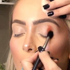 A DIY noselift that reshapes your nose, without surgery, needles or make up. Makeup Eye Looks, Make Makeup, Beautiful Eye Makeup, Kiss Makeup, Glam Makeup, Makeup Inspo, Eyeshadow Makeup, Makeup Art, Makeup Inspiration