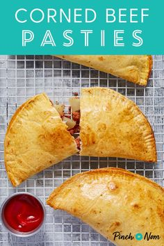 Corned Beef Pasties – Pinch Of Nom These Corned Beef Pasties ar… Armenian Recipes, Irish Recipes, Armenian Food, Beef And Potatoes, Creamy Mashed Potatoes, Cheese And Onion Pasty, Weight Watchers Meal Plans, Pinch Of Nom, Cornish Pasties
