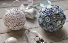 Fifty Shades of 4 Ply: Scheepjes Christmas Blog Hop - Christmas Baubles!