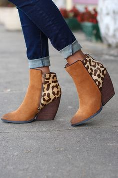Very Volatile: Chatter Leopard Bootie {Tan} - The Fair Lady Boutique - 1
