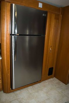 Very detailed instructions for installing a residential fridge in an RV.