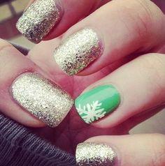 cool holiday-nails.