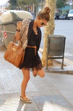 Adorable outfit - black sundress, skinny belt, cardigan, oversized brown bag, flats
