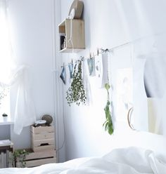 "Use a length of string hung in a line with some clothes pegs to make an easy ""inspiration wall"" Interior Styling, Interior Decorating, Interior Design, Inspiration Wall, Interior Inspiration, Rooms Home Decor, Room Decor, Oasis, Inside Home"