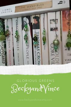 Diy Jewelry Making, Jewelry Making Supplies, Diy Earring Holder, Beaded Bookmarks, Vintage Jewelry Crafts, Green Palette, Book Lovers Gifts, Upcycled Vintage, Wedding Humor