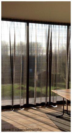 Realisatie gordijn Scalea/Jab Anstoetz #storeleuven #gordijn #interieur #JabAnstoetz Diy Window Blinds, Curtains With Blinds, Living Room Modern, Home Living Room, House Blinds, Window Dressings, Curtain Designs, Home Decor Furniture, Window Coverings