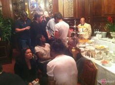 One Direction were eating in the hotel in Milan yesterday