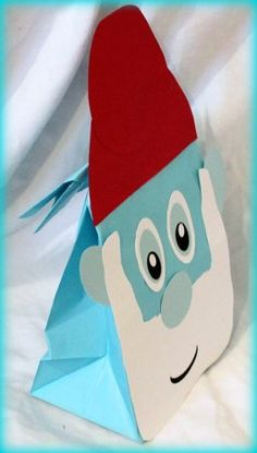 Google Image Result for http://www.thepartyanimal-blog.org/wp-content/uploads/2011/06/smurfs-party-favor-bags.jpg
