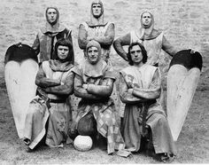 Eric Idle, John Cleese, Neil Innes, Terry Gilliam, Michael Palin and Terry Jones on the set of Monty Python and the Holy Grail. Time Pictures, Funny Pictures, Funny Videos, Sherlock, Eric Idle, Terry Jones, Under Armour, Roi Arthur, Michael Palin