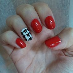 Houndstooth nails :)