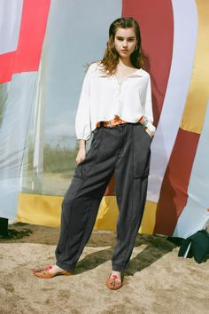 Shop BDG Carissa High-Waisted Cocoon Pant at Urban Outfitters today. Slow Fashion, Ankle Length, Trendy Outfits, Going Out, Urban Outfitters, What To Wear, My Style, Model, Pants