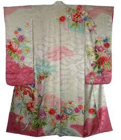 Japanese silk embroidered wedding kimono, 1950's