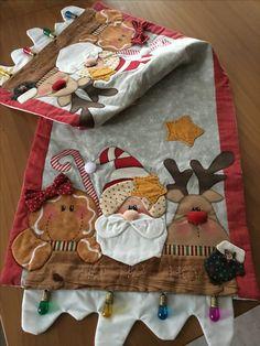 Christmas On A Budget, All Things Christmas, Christmas Time, Christmas Crafts, Christmas Decorations, Xmas, Diy Christmas Tree Skirt, Christmas Runner, Christmas Stockings