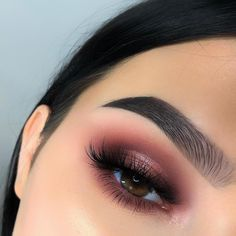 Valentine's Day Makeup Look Ideas Valentine's Day Makeup Looks – a pretty idea for Valentines makeup or date night. Artist Valentine's Day Makeup Looks – a pretty idea for Valentines makeup or date night. Make Up Kurs, Make Up Tools, Day Makeup Looks, Make Up Inspiration, Cute Make Up Ideas, Valentines Day Makeup, Makeup Inspo, Makeup Ideas, Makeup Guide