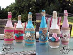 No post de hoje vou te mostrar 30 ideias de artesanatos com garrafas de vidro, Baby Favors, Baby Shower Favors, Painted Glass Bottles, Decorated Jars, Bottle Painting, Bottle Crafts, Rustic Decor, Balloons, Projects To Try