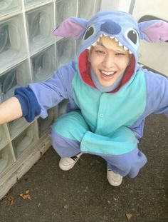 Jinking Oppa ❤ in a stitch suit  too sweet to handle it ❤ I have a stitch tattoo and Onew is my bias wrecker. Makes perfect sense