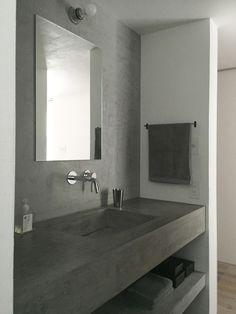 ファブリックを終えたので本当は照明に行きたいところだけれど、今日は洗面所の写真をUPしてみました。こんな感じ。コンクリートみたいな天板はモールテックスって... Natural Interior, Best Interior, Interior Design, Japanese House, Washroom, Bathroom Inspiration, Powder Room, Room Decor, House Design