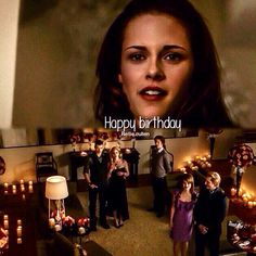 New Moon ~ Bella and The Cullen Fam Cullen House Twilight, Twilight Saga New Moon, Vampire Twilight, Twilight Edward, Twilight Cast, Twilight Series, Bella Cullen, The Cullen, Edward Bella