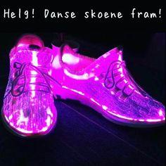 Ta frem danseskoene eeeeeepa . #ledtrend #helg #helgen #dans #friday #dansesko #dansehelg #fridayfun #fridayvibes #fridaymood #fridayfeeling #helgekos #fest #vors