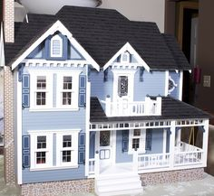 Every time I gaze at this little dollhouse, it takes me back to my childhood, and the wonderful times I spent with my Great Aunt Gladys. Victorian Dollhouse, Modern Dollhouse, Dollhouse Dolls, Victorian Homes, Dollhouse Miniatures, Dollhouse Ideas, Dolls Dolls, Reborn Dolls, Reborn Babies