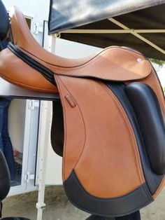 How to break in a new saddle!   http://www.proequinegrooms.com/index.php/tips/equipment-and-tack/breaking-in-a-new-english-saddle/