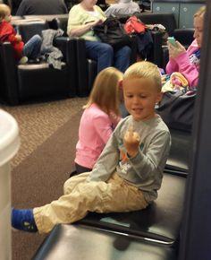 Parenting FTW - Salt Lake City Airport October 2013 http://ift.tt/2iV7x1K