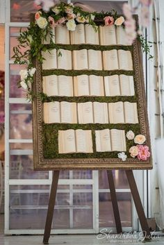 Seating chart wedding - A Book Loving Couple's Dream 33 Inspirational Photos for a Literary Wedding – Seating chart wedding Library Wedding, Wedding Book, Dream Wedding, Wedding Planner Book, Wedding Souvenir, Love Story Wedding, Luxury Wedding, Wedding Themes, Wedding Decorations