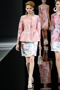 Giorgio Armani Spring 2014 Ready-to-Wear Fashion Show
