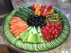 Wedding food platters veggie tray Ideas for 2019 Fast Healthy Breakfast, Healthy Snacks, Healthy Recipes, Health Breakfast, Healthy Brunch, Fruit Recipes, Salad Recipes, Snacks Recipes, Healthy Fruits