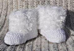 Furry Baby Booties crochet pattern