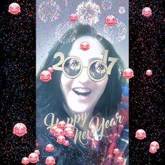 Sevo ve Memo'dan #2017 manzaraları😂 Hasta halimle bile yerimde duramayan ben 🤗 😃ama ne güldük😆 ne çıldırdık😁🤣 #happynewyear #happy #funny #amazing #SevinçYiğitArabacı 🦋 #JetMemo #biglove #mydarling #flipagram #videos #SevoMemo 👫💏 💘❤️ #istanbul 💖 #turkey 🇹🇷 #türkiye #numberone 😍👍🏿🔝#super #selfie #enjoy #Love #selfievideo  #JenniferLopez #music  #aintitfunny 🎭🔝