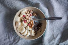 Tämän hetken suosikki aamupala // Rosemary's Acai Bowl, Oatmeal, Drinks, Breakfast, Food, Acai Berry Bowl, The Oatmeal, Drinking, Morning Coffee
