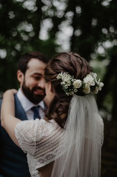 Rustic Spring Wedding Hairstyles You Will Rustic Spring Wedding Hair. - Rustic Spring Wedding Hairstyles You Will Rustic Spring Wedding Hairstyles You Will Love - - Flower Crown Veil, White Flower Crown, White Rose Flower, Flower Crown Hairstyle, Flower Crown Wedding, Spring Wedding Flowers, Wedding Hair Flowers, Bridal Flowers, Flowers In Hair