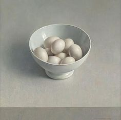 White Bowl with Eggs, 1983 by Henk Helmantel on Curiator, the world's biggest collaborative art collection. Still Life Oil Painting, Realistic Paintings, Acrylic Paintings, Dutch Painters, Still Life Photography, Photography Camera, Abstract Photography, White Photography, Street Photography