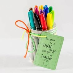 Teacher Appreciating Gifts for under $10 with FREE PRINTABLES to help!