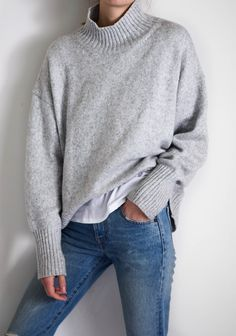 Oversized knitwear for winter