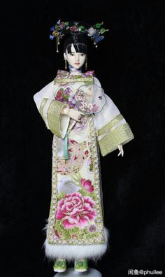 """Figure out additional information on """"porcelain dolls"""". Take a look at our site. Ooak Dolls, Barbie Dolls, Plush Craft, Chinese Traditional Costume, Chinese Dolls, Chinese Style, Chinese Fashion, Newborn Baby Dolls, Asian Doll"""