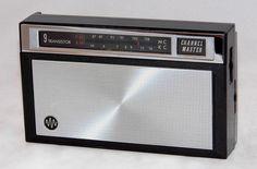 https://flic.kr/p/R7Fikh | Vintage Channel Master Transistor Radio, Model 6477, AM-FM Bands, 9 Transistors, Made In Japan, Circa 1966
