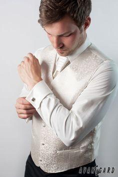 Pánská fraková košile se svatební vestou, regatou a kapesníčkem. Vše značka AVANTGARD.   ///   Men's shirt cufflinks, wedding vest and tie and handkerchief. Brand AVANTGARD. Turtle Neck, Sweaters, Fashion, Moda, Fashion Styles, Sweater, Fashion Illustrations, Sweatshirts, Pullover Sweaters