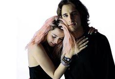 El cada vez más guapo Martin Rivas: agosto de cine y primeras fotos de Por un puñado de besos, junto a Ana de Armas