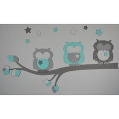 Baby room mint green: wooden wall sticker of 3 sleeping owls on a branch. Kids Bedroom, Bedroom Ideas, Baby Hacks, Wooden Walls, Diy Organization, Wall Sticker, Baby Room, Boy Or Girl, Snoopy