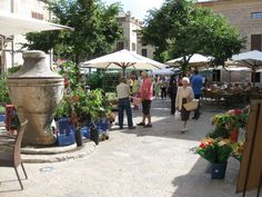 The Sunday market in Pollença, love this town, love this island #mallorca
