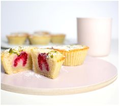 Friands mit Himbeeren ~ friands with raspberries