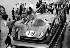 Le Mans 1967 tests. Ferrari 330P4 ( Klass/Sutcliffe)