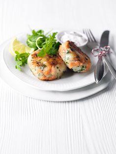 Smoked salmon and horseradish fishcakes #food #recipe