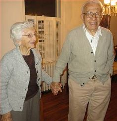 """Here's a picture of John and Ann Betar who have been named the 2013 """"longest married couple"""" in the United States. (over 80 years together!) John is 101 years old and Ann is The two grew up as neighbors in Bridgeport and got married on Nov. THAT'S LOVE. Older Couples, Couples In Love, Old Married Couple, Longest Marriage, Marriage Vows, Growing Old Together, Never Grow Old, Lasting Love, Love Amor"""