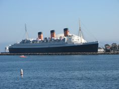 Google Image Result for http://upload.wikimedia.org/wikipedia/en/c/c7/RMS_Queen_Mary_Long_Beach.jpg