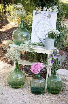 Damajuanas para decorar una boda   AtodoConfetti - Blog de BODAS y FIESTAS llenas de confetti