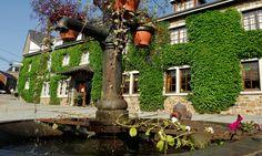 Auberge du Sabotier in Saint-Hubert - de beste aanbiedingen! Ardennes, Restaurant, House Styles, Travel, Groupon, Land, Natural Park, Morning Breakfast, Fine Dining